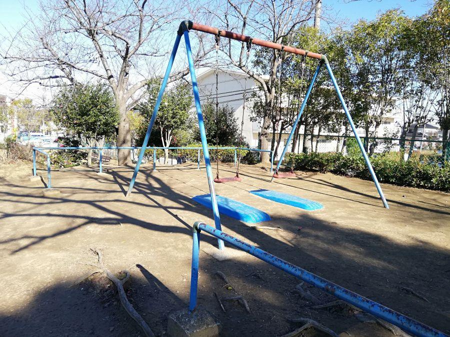 佐倉市 前原公園のブランコ