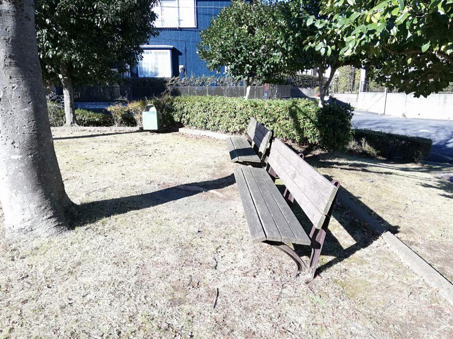 向原公園のベンチ