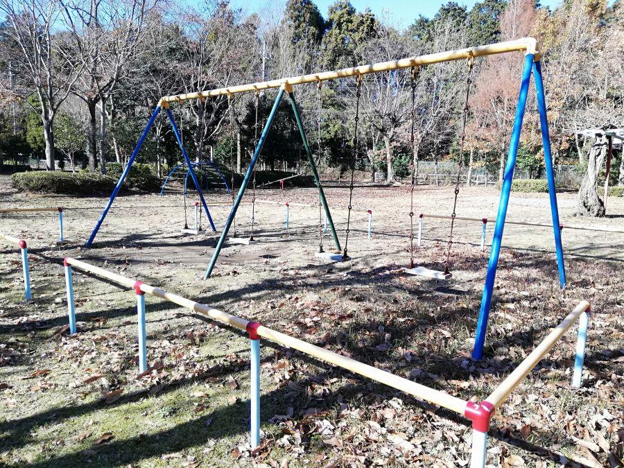 上新堀公園のブランコ