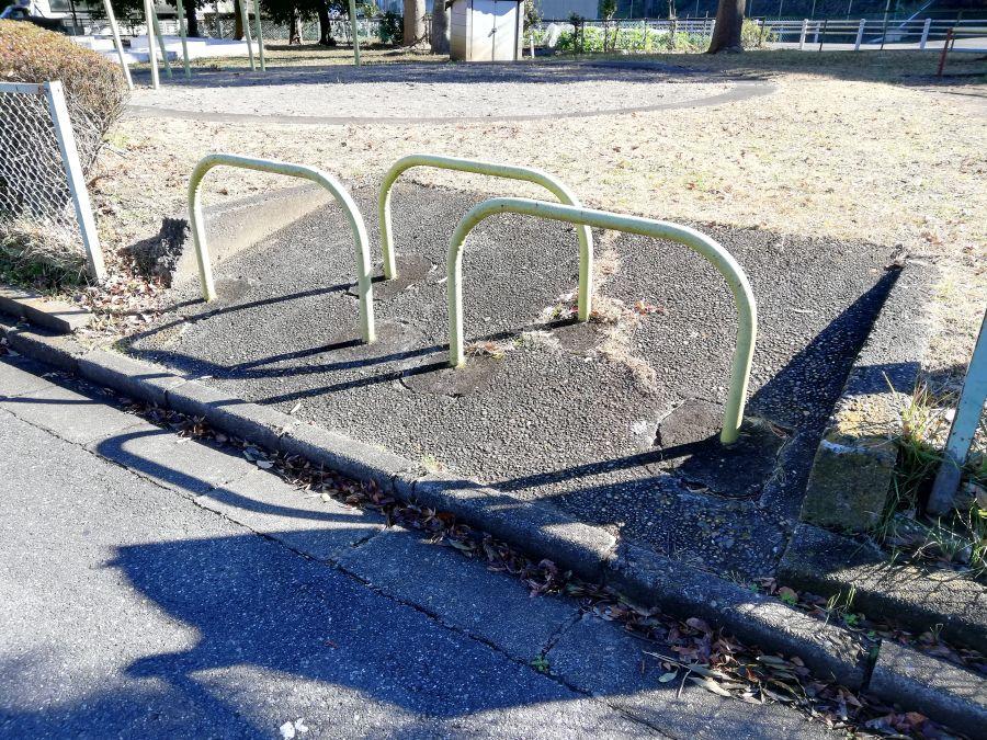 井戸作南公園のスロープ