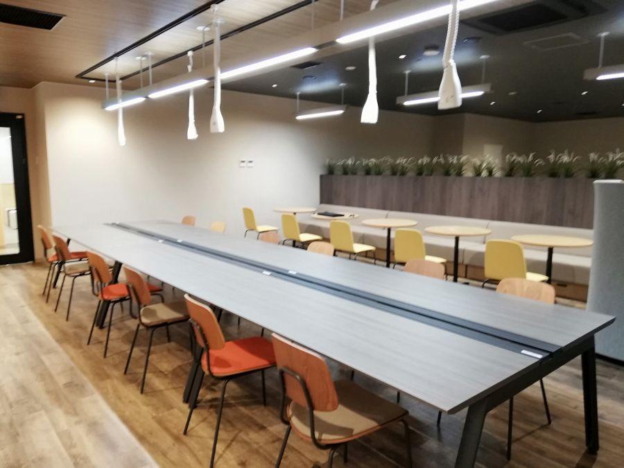 佐倉市スマートオフィスプレイス テーブル席