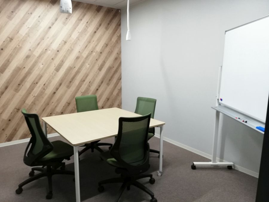 佐倉市スマートオフィスプレイス 会議室