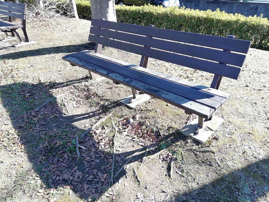 佐倉市 浅間前公園のベンチ