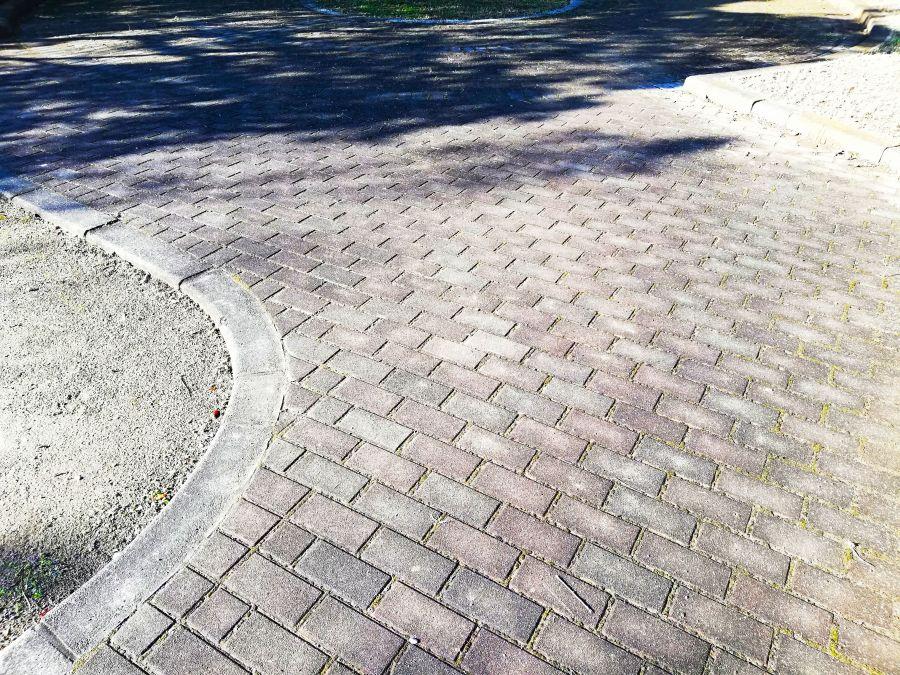 佐倉市 みはらし公園の石畳