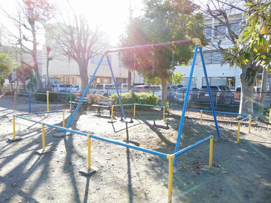佐倉市 町田児童公園のブランコ