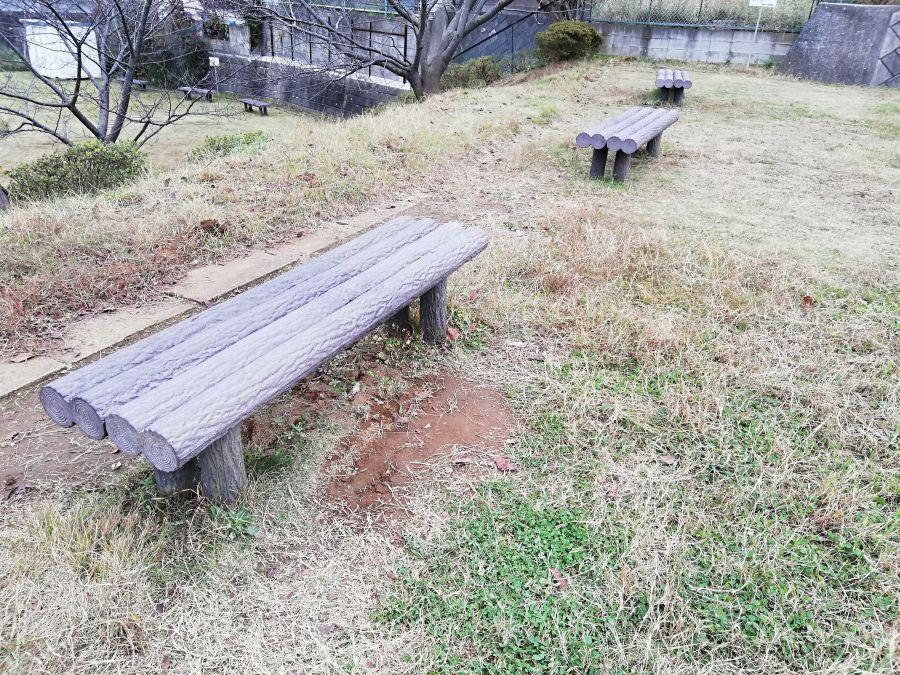 佐倉市千成2号公園のベンチ