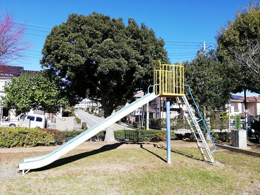 藤治台西公園のすべり台
