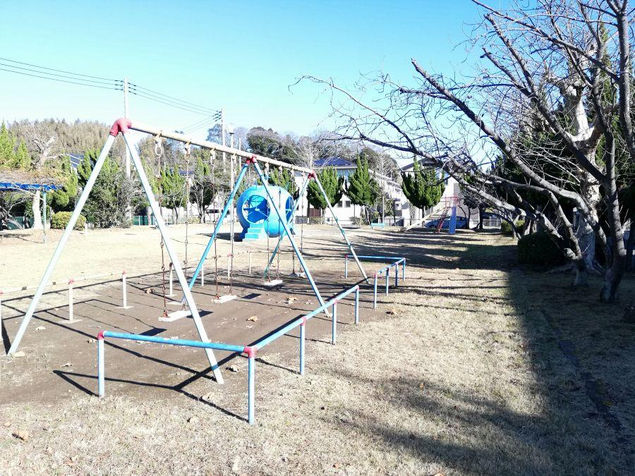麦田児童公園の遊具たち