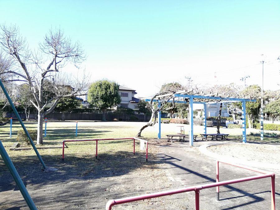 藤治台西公園の園内