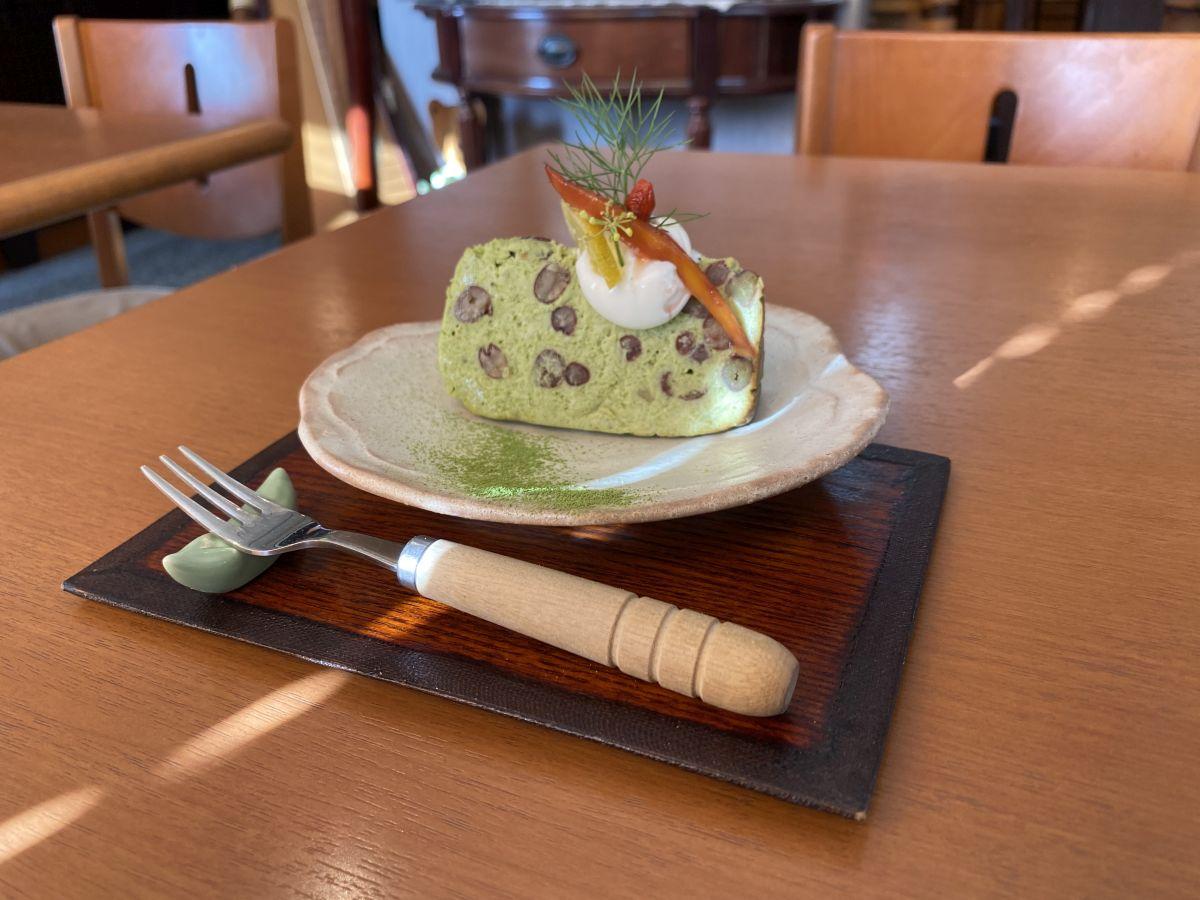 喫茶まめ 米粉入り抹茶小豆のチーズケーキ