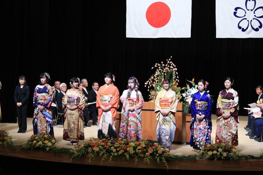 2020年(令和3年)1月11日開催予定 佐倉市の成人式 以前の成人式画像